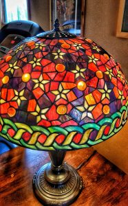 Stars-and-globes stained glass lamp--jscottmcelroy.com