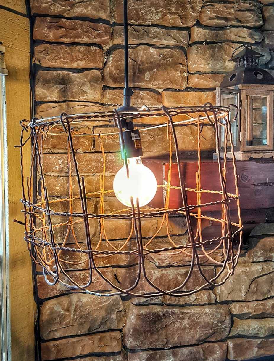 Shabby chic wire light--jscottmcelroy.com